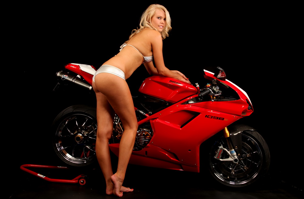 Nude on my motorbike 6
